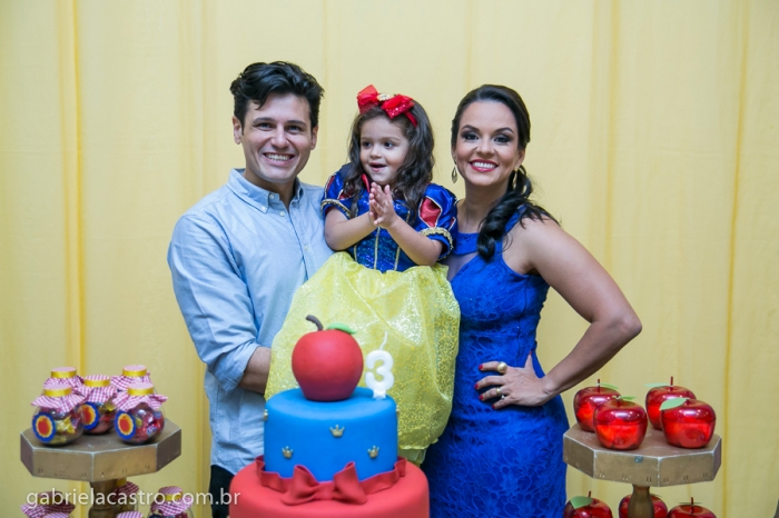 Aniversário Infantil, Festa de Aniversário, Festa Infantil, Aniversário de Criança, Fotógrafo de Criança, Fotógrafo de Família, Fotógrafo no Brasil, Fotógrafo no Espírito Santo, Fotógrafo em Vitória, Fotógrafo de Eventos, Fotos de Criança, Fotografia Infantil, Gabriela Castro Fotografia, Birthday Child, Birthday Party, Child Photographer, Family Photographer, Photographer in Brazil, Event Photographer, Photos of Children, Child Photography, Gabriela Castro Photography, Lolly Pop, Tema Branca de Neve, Isadora 3 anos, Aniversário de 3 anos