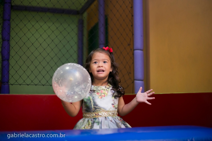 Aniversário Infantil, Festa de Aniversário, Festa Infantil, Aniversário de Criança, Fotógrafo de Criança, Fotógrafo de Família, Fotógrafo no Brasil, Fotógrafo no Espírito Santo, Fotógrafo em Vitória, Fotógrafo de Eventos, Fotos de Criança, Fotografia Infantil, Gabriela Castro Fotografia, Birthday Child, Birthday Party, Child Photographer, Family Photographer, Photographer in Brazil, Event Photographer, Photos of Children, Child Photography, Gabriela Castro Photography, Aniversário Clara, Aniversário 3 anos, Clara 3 anos, Cerimonial Lollypop, Tema Branca de Neve